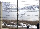 압록강 너머 쇠락한 북한 모습 바라보며 통일의 필요성 절감