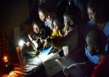 케냐 나이로비에 희망의 빛 밝힌다
